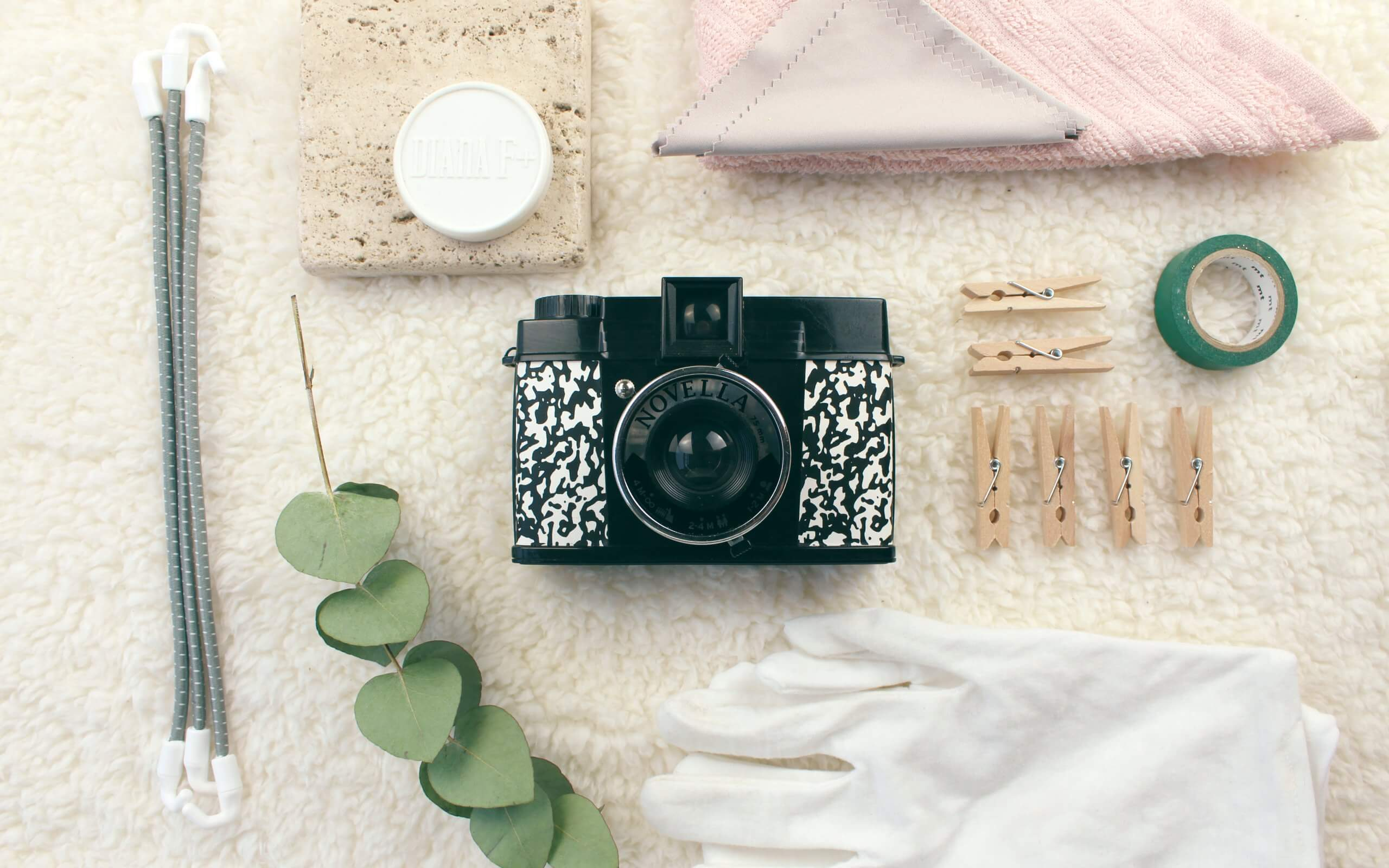 How to define your brand's visual style with a photography moodboard